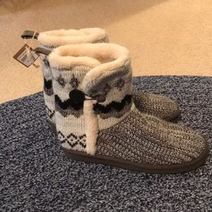 American Eagle Slipper Boots